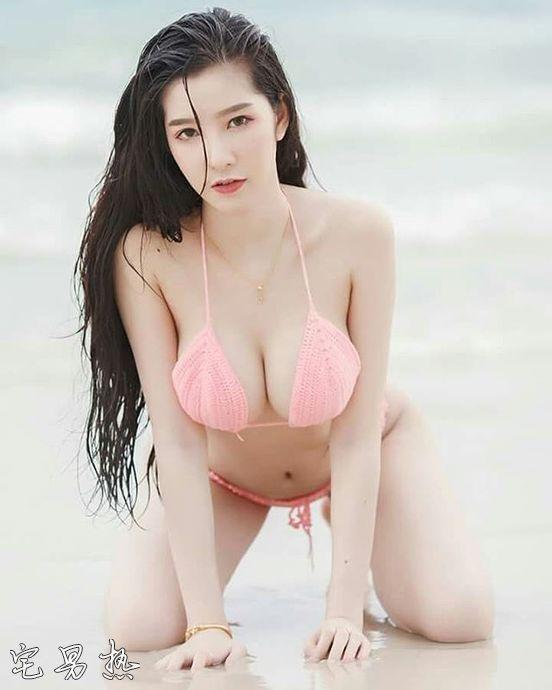 泰国美女Sukanay Konin 不喜欢穿内衣的清新写真模特
