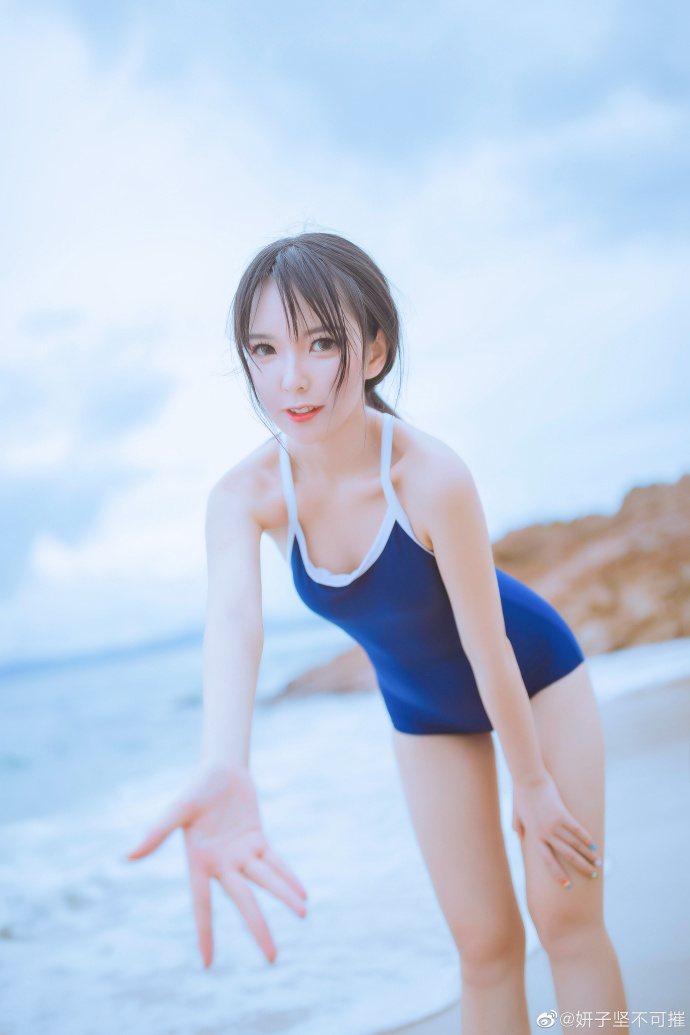 微博妹子推荐@妍子坚不可摧,线下一种江南大姐姐的感觉!