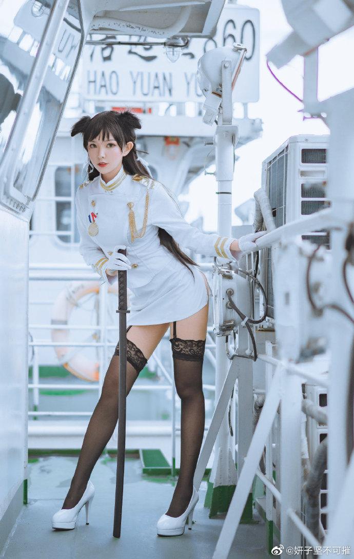 微博coser小姐姐-妍子坚不可摧