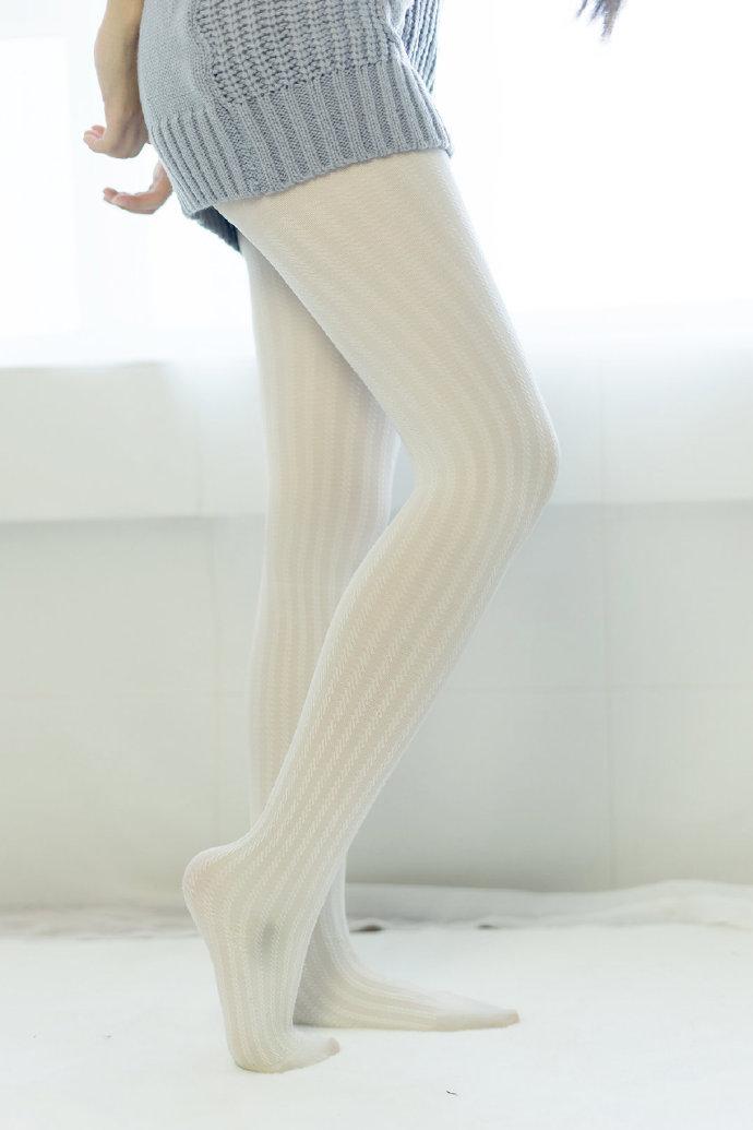黑白袜裤图 福利吧 第2张