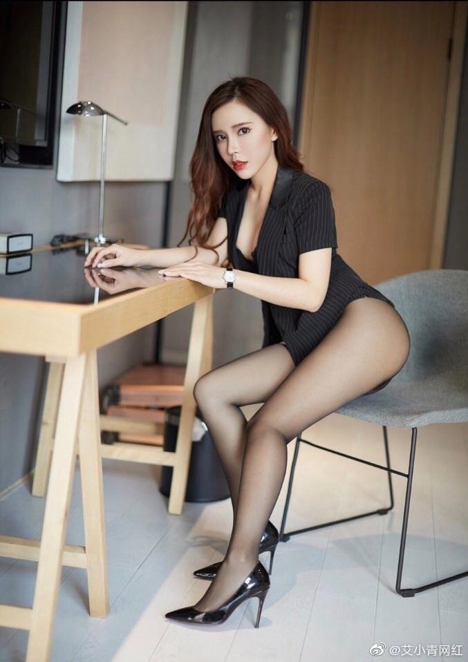 """2020日刊第129期:""""微博网红艾小青""""一手资料什么梗? liuliushe.net六六社 第2张"""