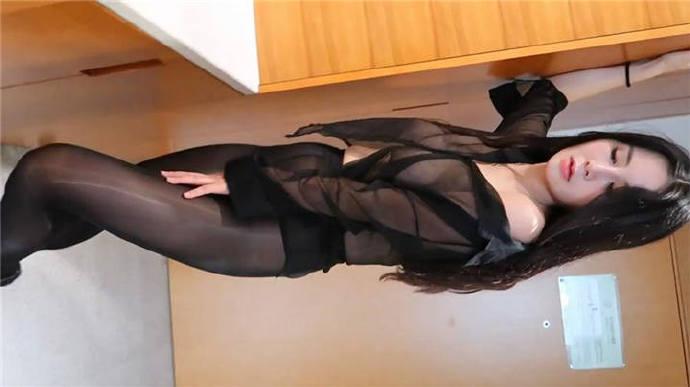女神级美女嫩模小洁制服作品大长腿高颜值酒店黑丝透视720P高清[1V/618M]