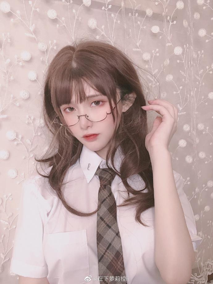 微博妹子推荐@在下萝莉控ii 斗鱼TV直播平台主播