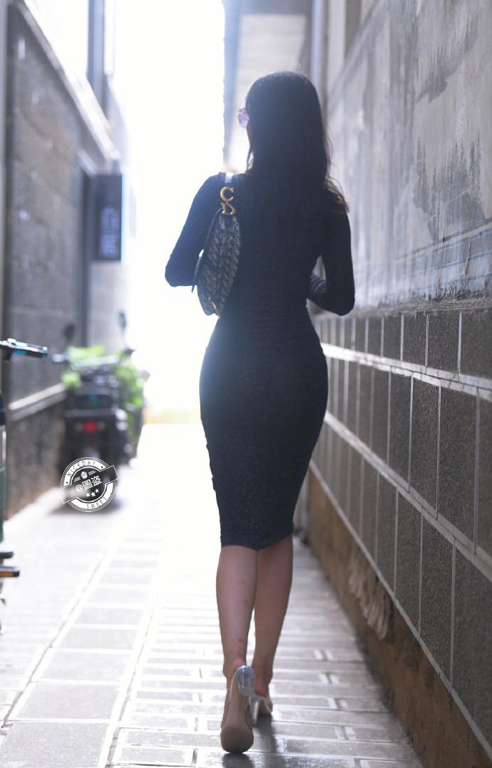 今日妹子图 20200830 标准的肤白貌美大长腿 liuliushe.net六六社 第22张