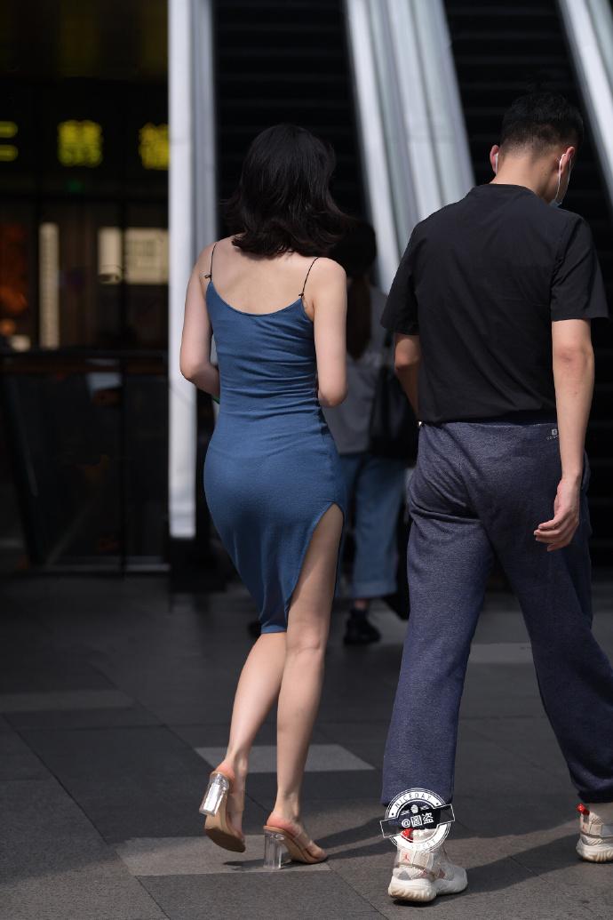 今日妹子图 20200830 标准的肤白貌美大长腿 liuliushe.net六六社 第13张