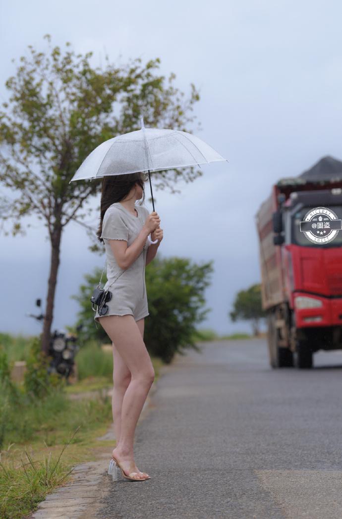 今日妹子图 20200830 标准的肤白貌美大长腿 liuliushe.net六六社 第2张