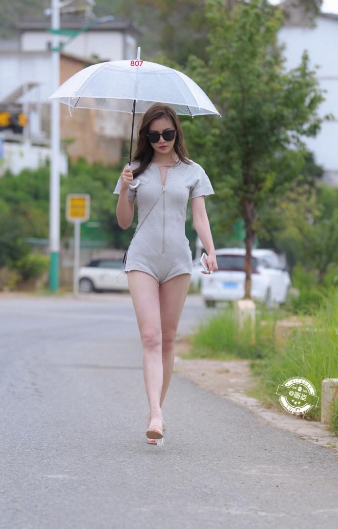 今日妹子图 20200830 标准的肤白貌美大长腿 liuliushe.net六六社 第1张