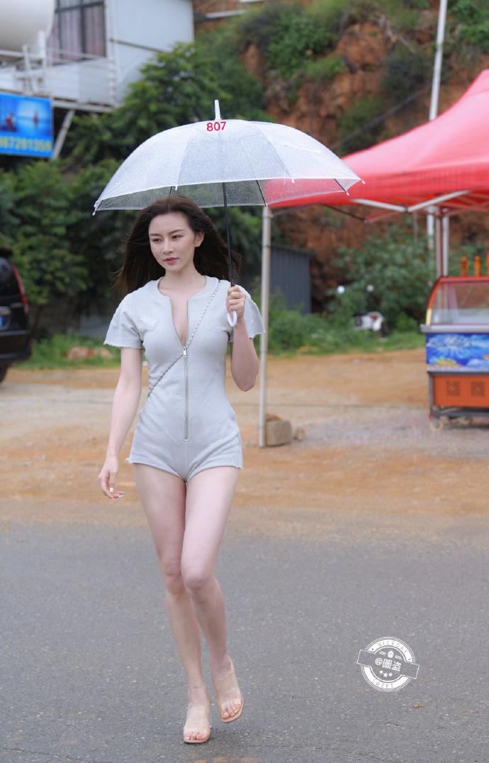 今日妹子图 20200830 标准的肤白貌美大长腿 liuliushe.net六六社 第9张