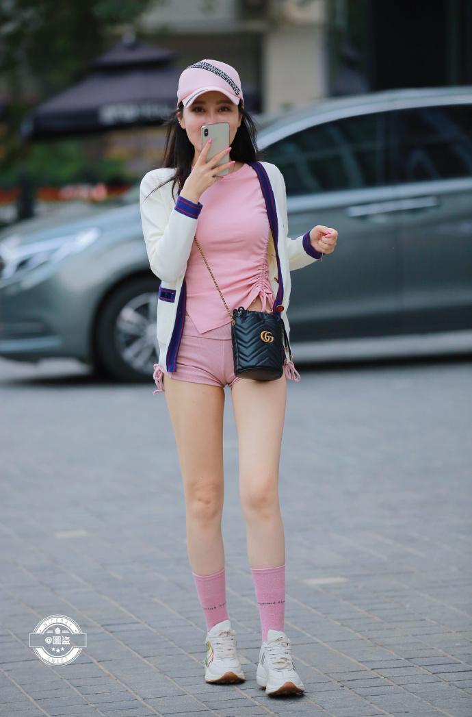今天的妹子裤子有点紧coserba.com下福利 第5张