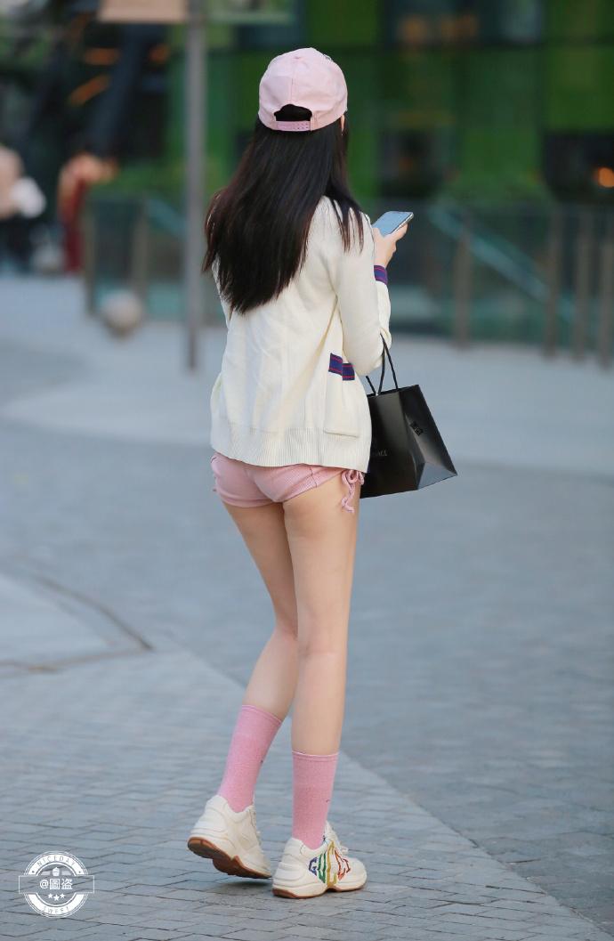 今天的妹子裤子有点紧coserba.com下福利 第8张