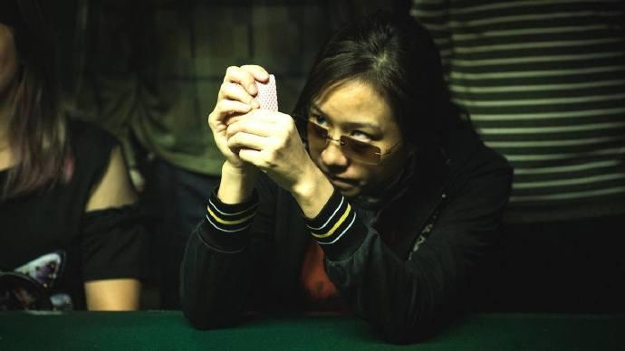 电影快报-刘德华未PS照片秒杀,《死因无可疑》上映5日票房破300万!-夜宅社