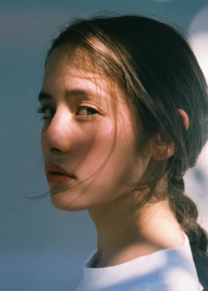 女神吧 - 一家纯粹分享优质女神的福利视频网 liuliushe.net六六社 第9张