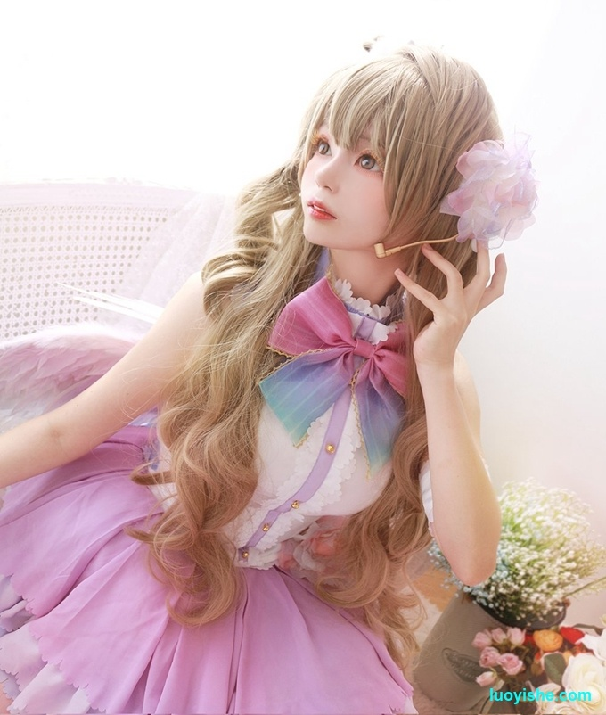 韩国软妹子Lucia走红网络,真人芭比娃娃cos美照