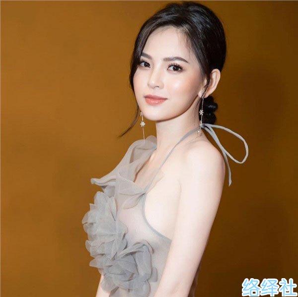 越南药剂师杜陈映不雅视频第2弹网上公开售卖2亿越南盾