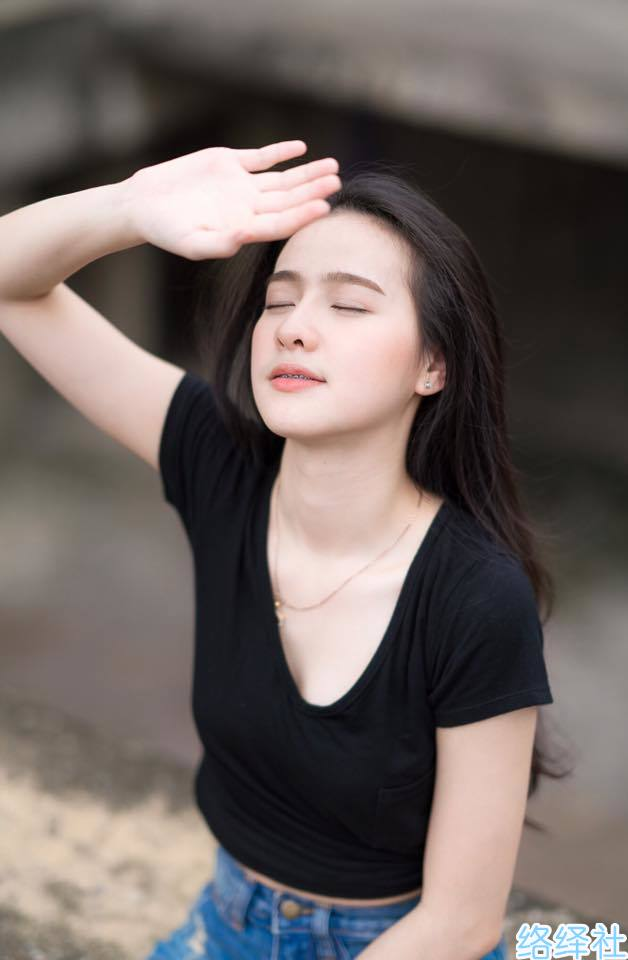 这个软妹子太清新,来自泰国的清纯美女NAMCHA