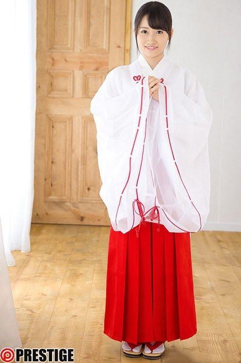 日本职业巫女大岛美绪经典作品和制服装封面截图