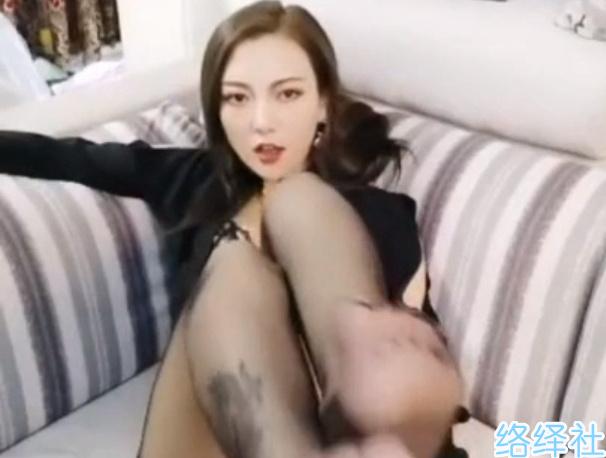 白天教学晚上直播,哈尔滨英语老师李然然不雅视频