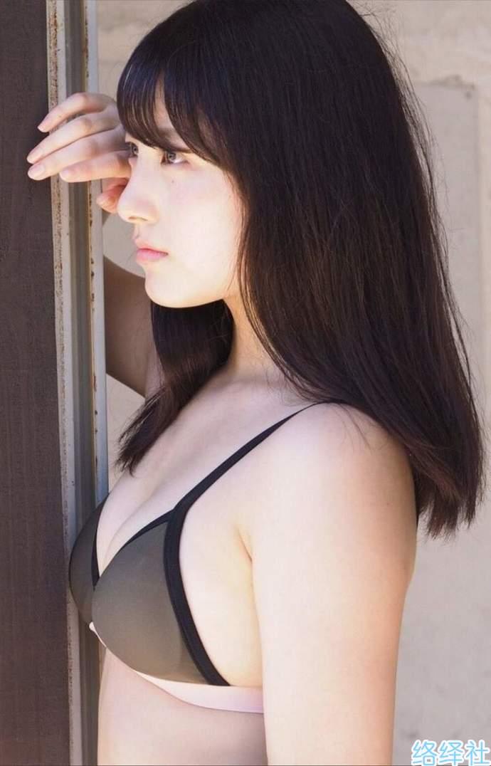 前AKB48成员大和田南那2018年泳装写真作品集