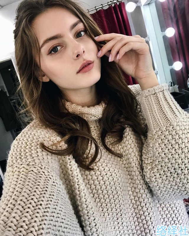 仙气十足的白俄罗斯美女,19岁做内衣模特走红网络