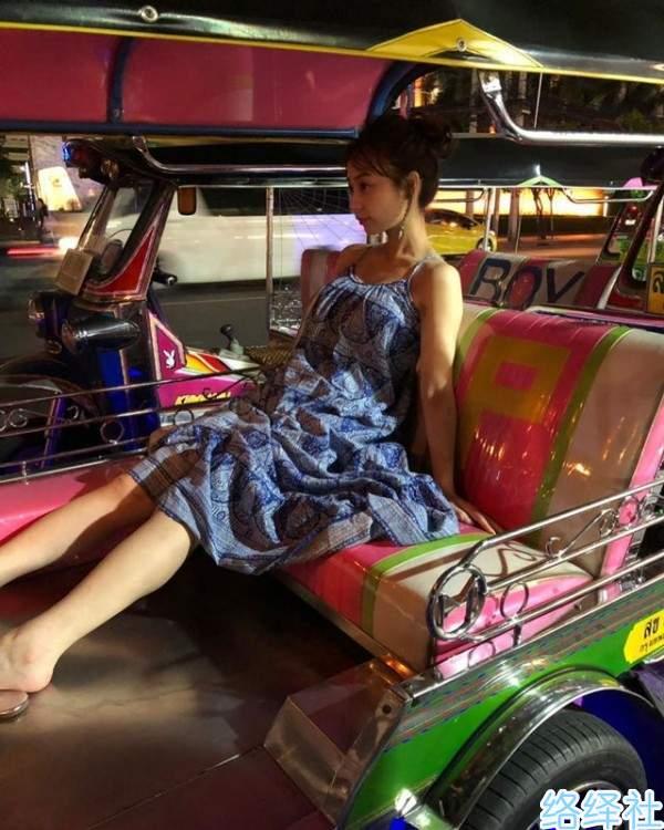 美女主播「宇垣美里」杂志写真照上演迷人的泰国风情