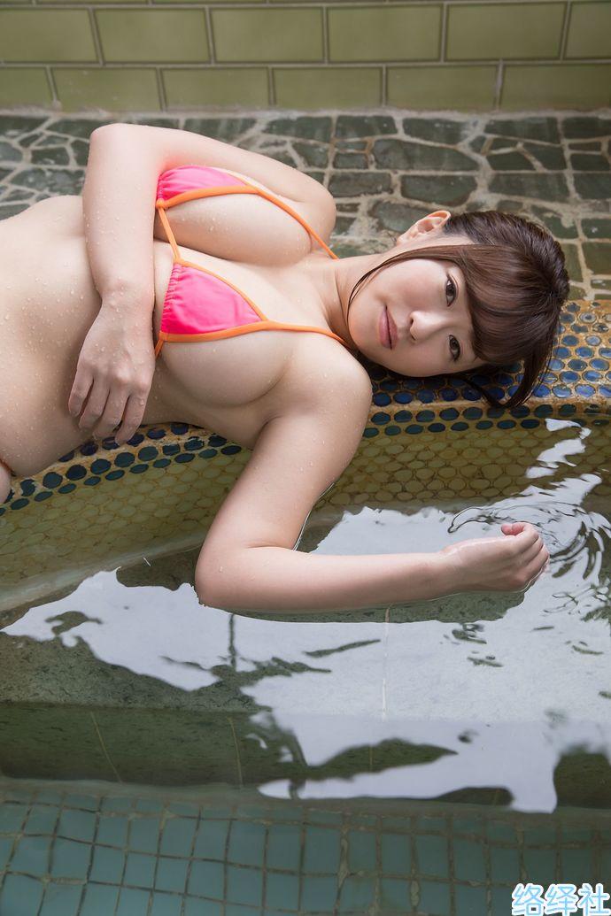 成熟美女「水树玉」的肉弹身材真心扛不住!