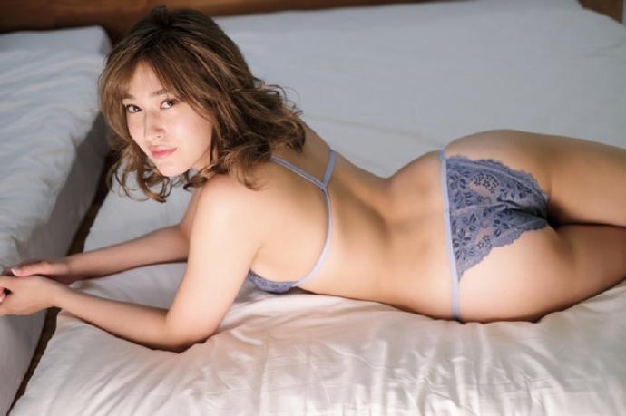 肉体解放!前AKB48成员「平田梨奈」拍摄写真大胆裸露