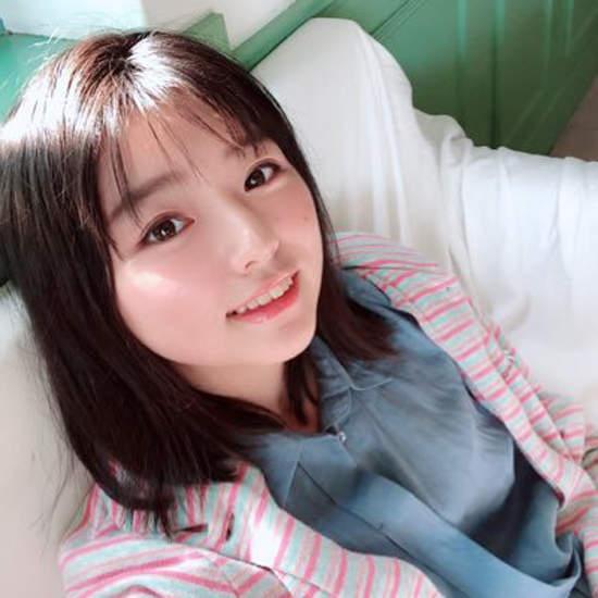 日本写真美女叶月翼(叶月つばさ)自曝爱看十八禁漫画!