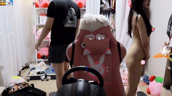 韩国美女主播「edoongs2」洗澡忘关摄像头被看光光