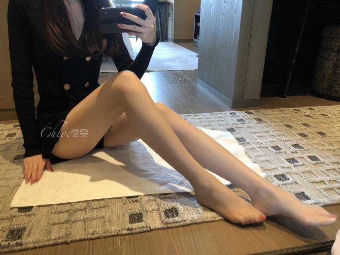微博高端丝袜品牌买家秀 话题图片质量都很高