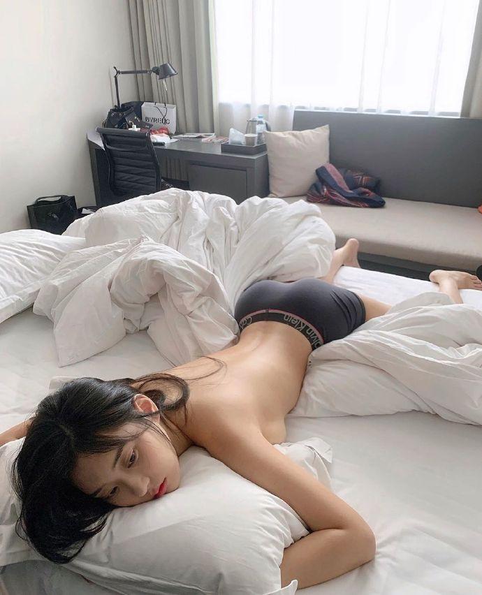 早上睡觉真舒服,不想起床的ins:zennyrt