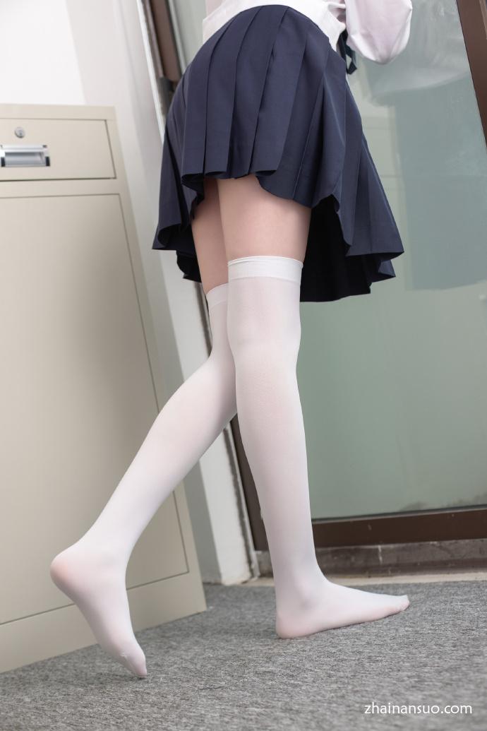 森萝财团[SSR-002]75P 校服白丝青春少女-宅男说