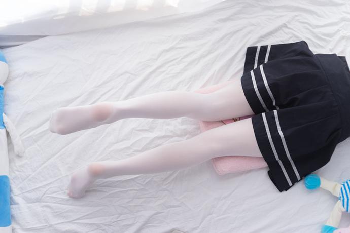 [轻兰映画]VOL.008白丝袜校服少女47P-宅男说