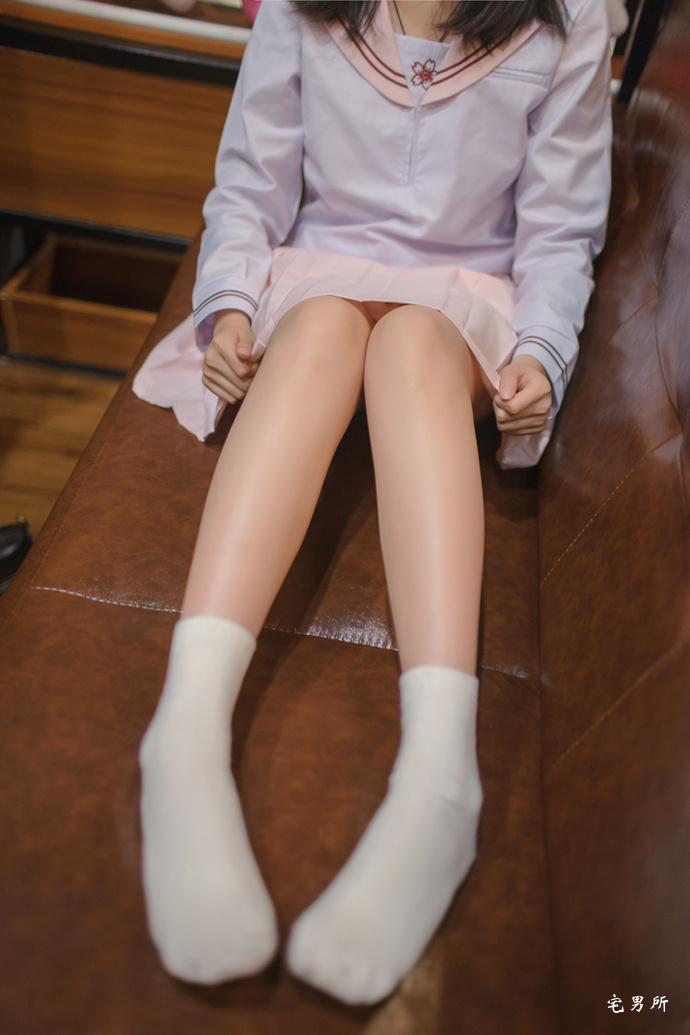 [轻兰映画]VOL.005 甜美日系风白嫩美腿46P-宅男说