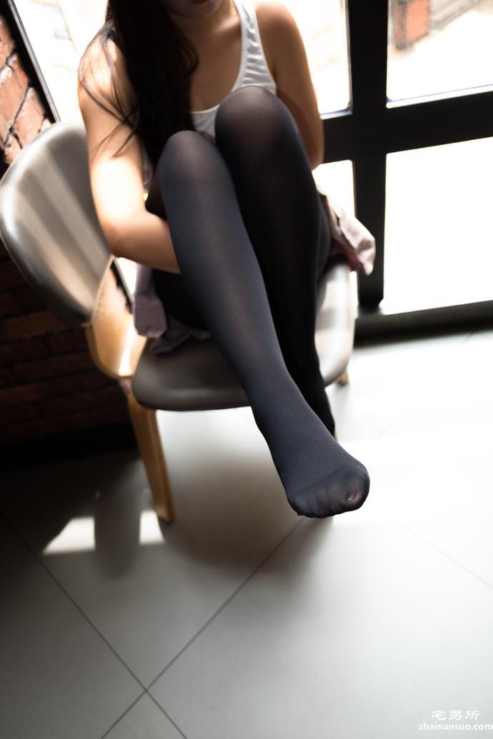 森萝财团[BETA-002] 黑丝学姐就是不一样-宅男说