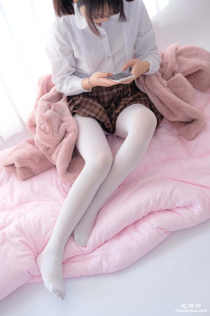 森萝财团写真[X-011]白丝美腿小学妹-宅男说