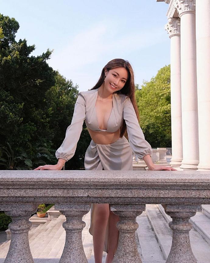 服装品牌的老板娘「Emily Lee」健康有活力