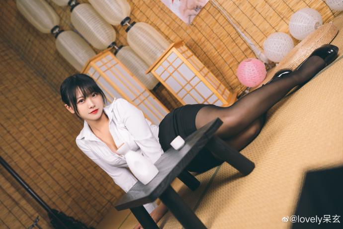 知名cosplay博主@lovely呆玄 她长得圆润可人 liuliushe.net六六社 第4张