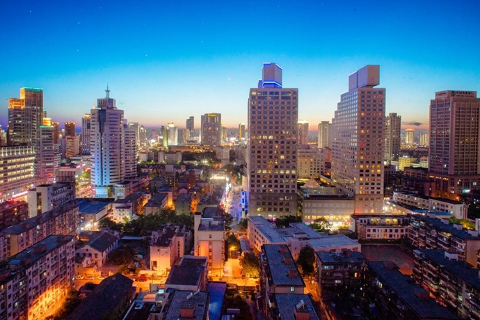 读懂一个城市:浙江宁波,低调的万亿 GDP 新一线