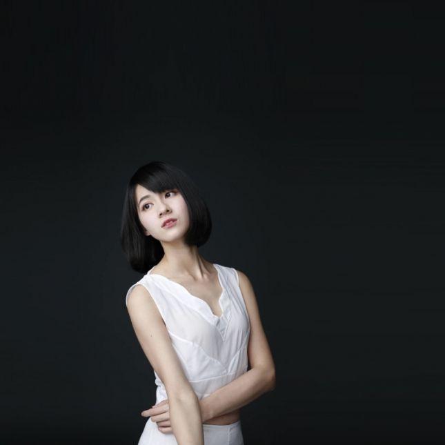 """""""金钟""""女星连俞涵,倾情代言辣木美妆 中国辣木"""