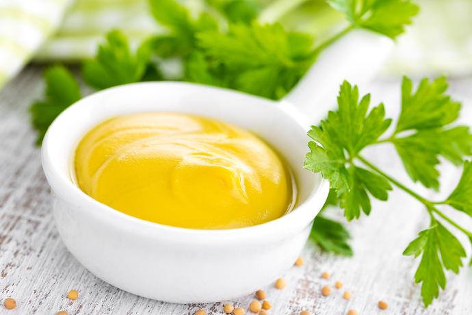 芥菜子本身没有味道,芥末刺鼻的辛辣味从哪里来?