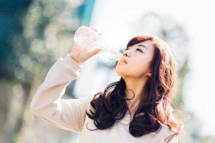 喝水养生,只需记住 4 种温度