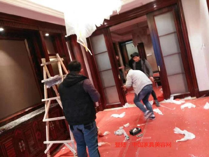 郑州别墅区家具维修保养开工中,想学家具修补培训来参观-家具美容网