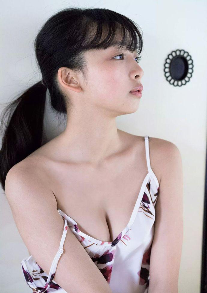 宅男女神「华村飞鸟」身材完美的18岁八头身**