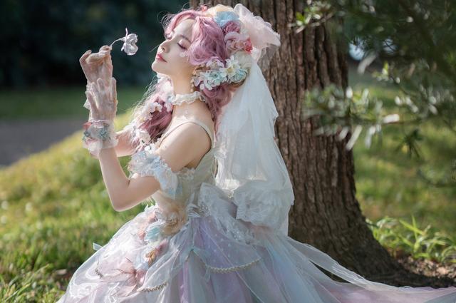 Cosplay圈子中的顶流, Lolita裙是富人的专属?- cos图片