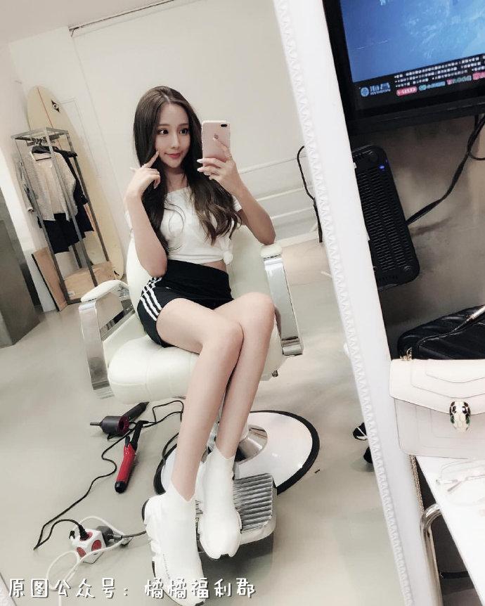 【金源娱乐】身材苗条的高颜值2米长腿妹子
