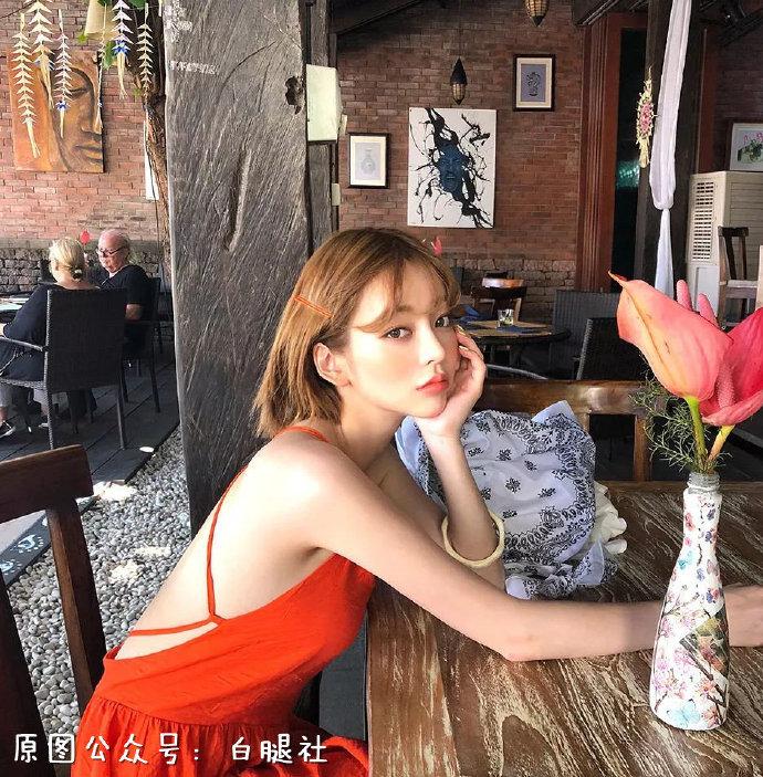 【金源娱乐】韩国模特姜泰莉完美裸背吸引眼球