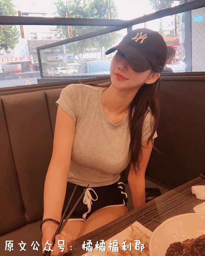 【金源平台ins美女】超性感的A4腰!来自韩国的高颜值小姐姐2km2km