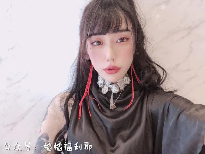 2019年最强出道新人水森翠:全身上下都是刺青的痴女系日本女孩