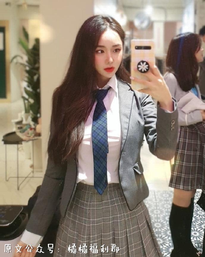 【金源平台ins美女】韩国高颜值的乔碧萝坦克级别身材小姐姐