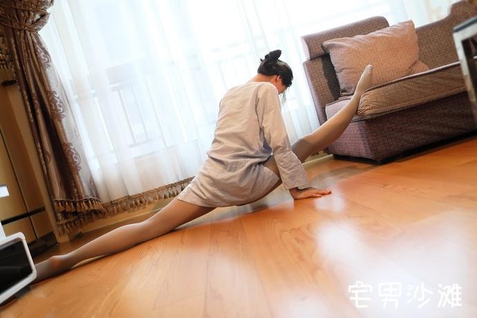 【妹子图】ROSI写真艺学妹系列,NO.11期一字马福利写真